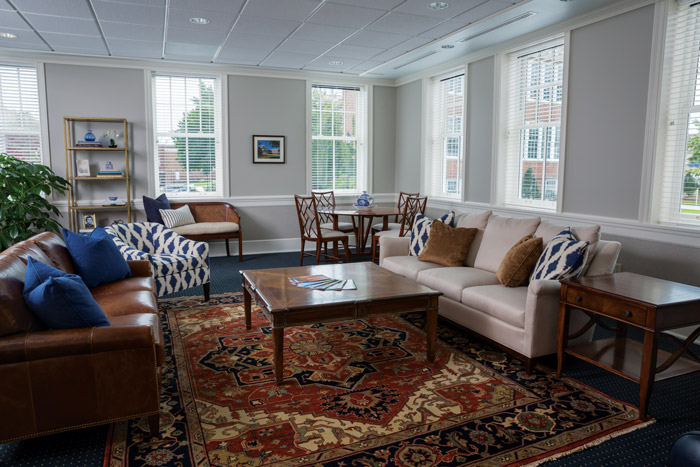 The R.TuckerWinn '48 Room, with its comfortable furnishings and widescreen television, provides a space where alumni visiting campus can relax, have a cup of coffee or even pull out their laptop and get a little work done. Winn was a successful independent college admissions counselor.